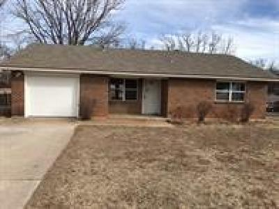 Noble Single Family Home For Sale: 703 Jacquelyn