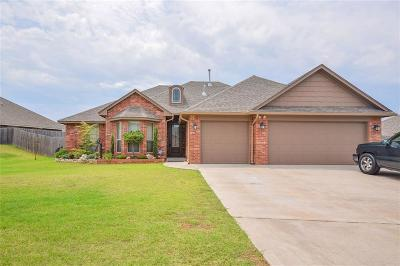 Midwest City Single Family Home For Sale: 605 Blue Sky Drive