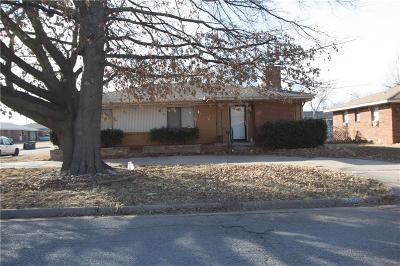 Del City Single Family Home For Sale: 4420 Woodedge Drive
