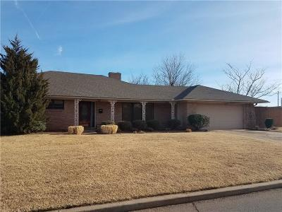 Altus OK Single Family Home For Sale: $165,000