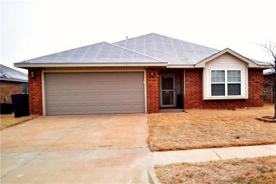 Moore Single Family Home For Sale: 9632 Lauren Drive