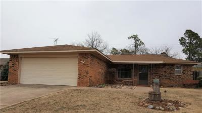 Chickasha Single Family Home For Sale: 3107 Glenwood