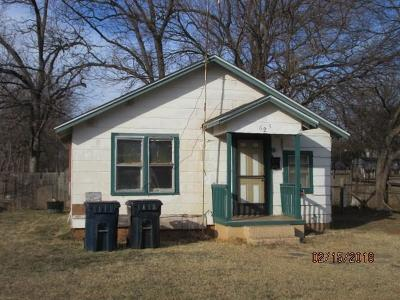Purcell Single Family Home For Sale: 625 W Brule