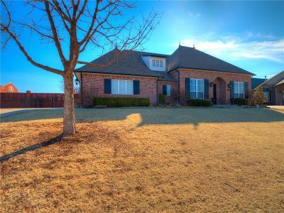 Midwest City Single Family Home For Sale: 1408 Woodbriar Lane