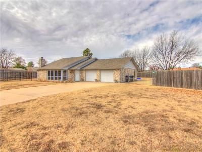 Oklahoma City Single Family Home For Sale: 33 SW 103rd Street