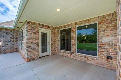 Edmond Single Family Home For Sale: 2333 Bretton Lane