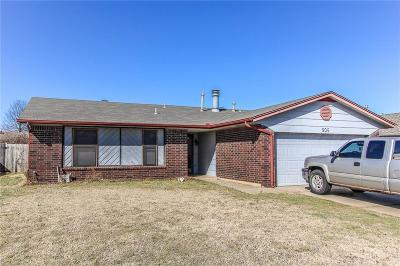 Yukon Single Family Home For Sale: 209 Harrogate Dr.