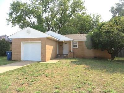 Chickasha OK Single Family Home For Sale: $68,900