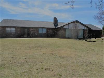 Chickasha OK Single Family Home For Sale: $125,000