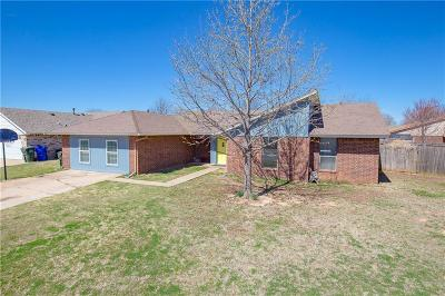 Norman Single Family Home For Sale: 2111 Vanessa Dr