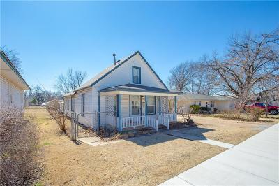 Edmond Single Family Home For Sale: 608 W Main St.