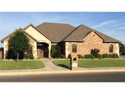 Edmond Single Family Home For Sale: 15409 Sugar Loaf Dr.