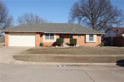Midwest City Single Family Home For Sale: 3212 N Glenhaven