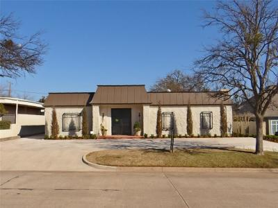 Nichols Hills Single Family Home For Sale: 1421 Glenbrook Terrace