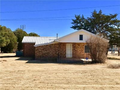 Beckham County Single Family Home For Sale: 12164 N 1810 Road