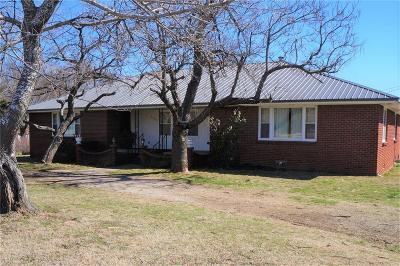 Stroud OK Single Family Home For Sale: $138,000