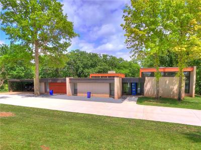 Edmond Single Family Home For Sale: 3300 N Western
