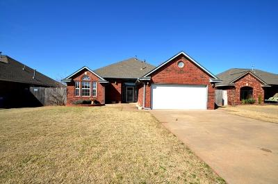 Mustang Single Family Home For Sale: 341 W Pines Way