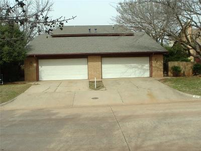 Oklahoma City Multi Family Home For Sale: 3241 Castlerock Road