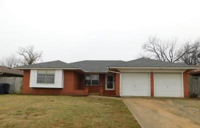 Canadian County, Oklahoma County Single Family Home For Sale: 2612 SW 83rd Street
