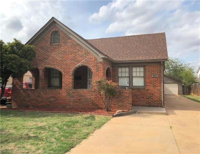 Single Family Home For Sale: 923 Cypress