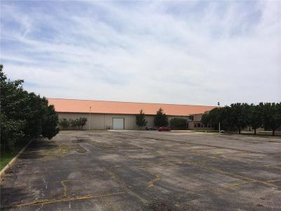 Oklahoma City Commercial For Sale: 6901 NW 63rd