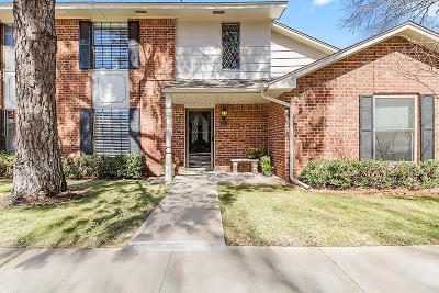 Oklahoma County Condo/Townhouse For Sale: 9009 N May Avenue #163