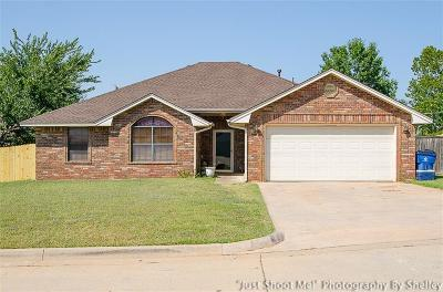 Chickasha Single Family Home For Sale: 2918 Lacey