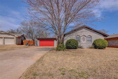 Warr Acres Single Family Home For Sale: 5817 N Seminole Court