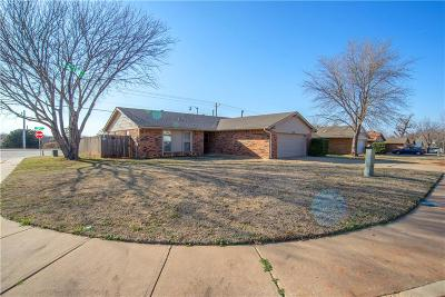 Edmond Single Family Home For Sale: 1701 Apian