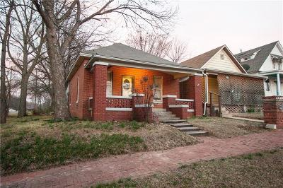 Guthrie Single Family Home For Sale: 424 N 1st