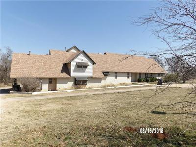 Canadian County, Oklahoma County Single Family Home For Sale: 7012 N Air Depot Boulevard