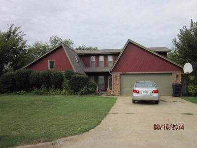 Oklahoma City Single Family Home For Sale: 10101 Thompkins Court