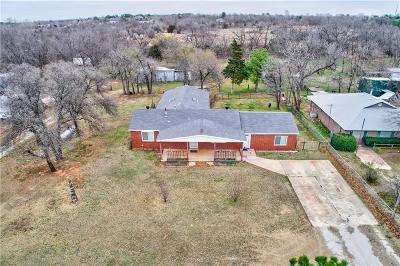 Harrah Single Family Home For Sale: 2320 S Luther