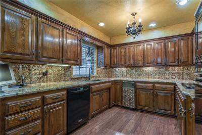 Oklahoma City Single Family Home For Sale: 608 SW 103rd Place