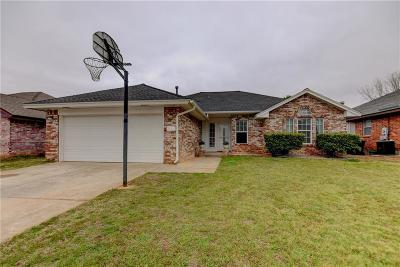 Norman Single Family Home For Sale: 617 Golden Eagle Drive