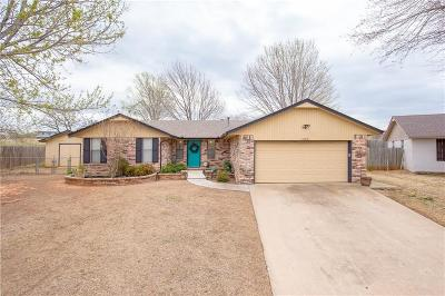 Purcell Single Family Home For Sale: 1802 Brookside Drive