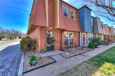 Oklahoma City Condo/Townhouse For Sale: 3316 Brookhollow Court