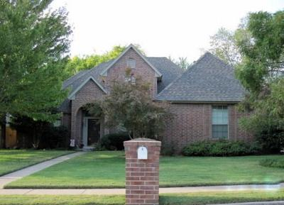 Single Family Home Pending: 2600 Bedford Circle