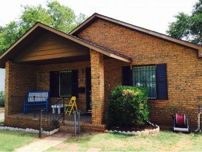 Beckham County Single Family Home For Sale: 422 N Washington
