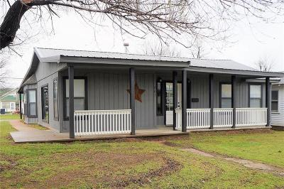 Stroud OK Single Family Home For Sale: $72,800