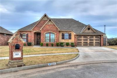 Moore Single Family Home For Sale: 908 Carol Ann Place