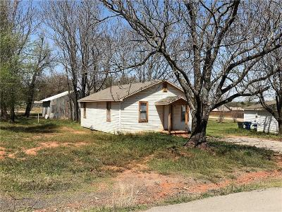 Blanchard OK Single Family Home For Sale: $59,900