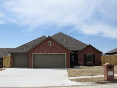 Moore Single Family Home For Sale: 517 Cottonwood