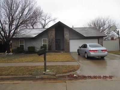 Moore Single Family Home For Sale: 829 N Briarcliff