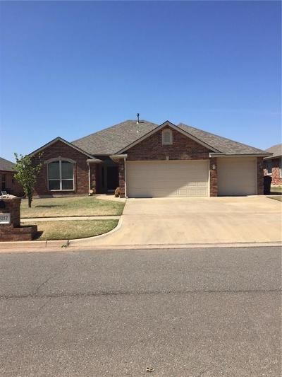 Moore Single Family Home For Sale: 9217 Shady Grove