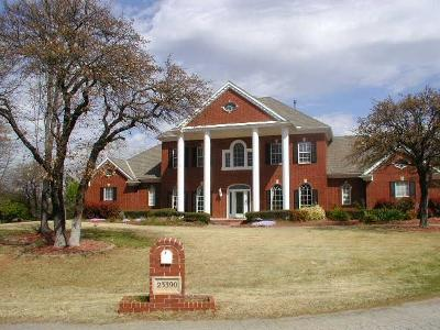 Single Family Home For Sale: 23390 Hunters Trail