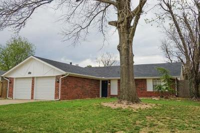 Oklahoma City Single Family Home For Sale: 8904 Raven Avenue