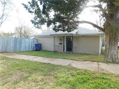 Guthrie OK Single Family Home For Sale: $70,000