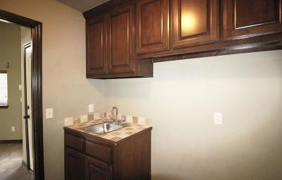 Canadian County Rental For Rent: 3300 Chesterfield Place